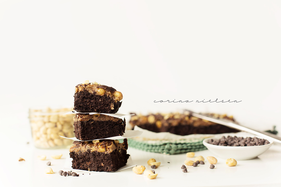 Corina Nielsen- Live Fit Snickers Brownies 1