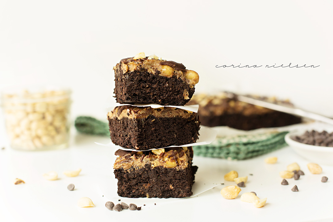 Corina Nielsen- Live Fit Snickers Brownies 3