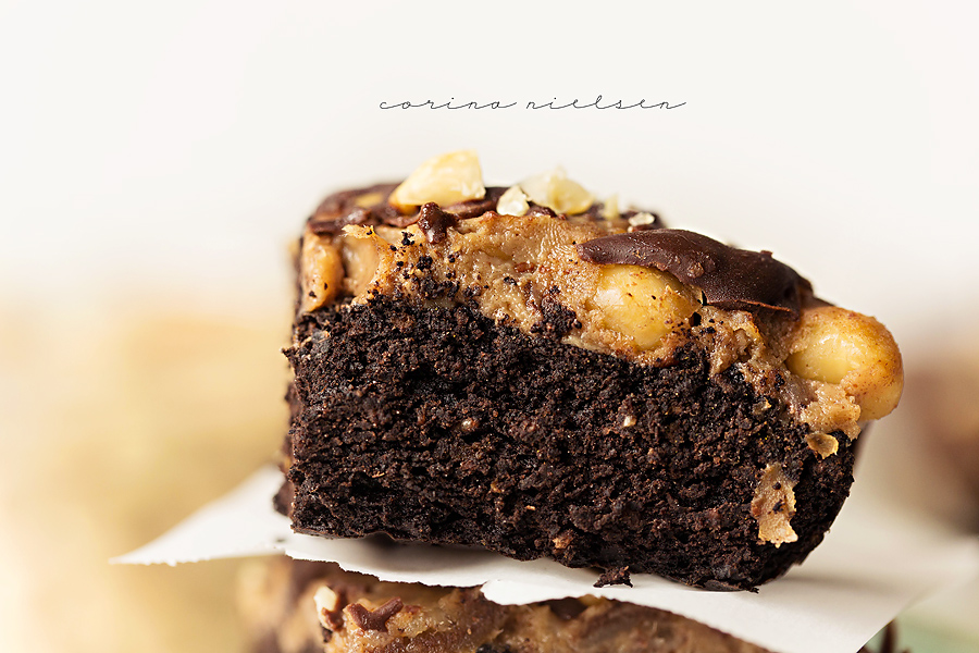 Corina Nielsen- Live Fit Snickers Brownies 5