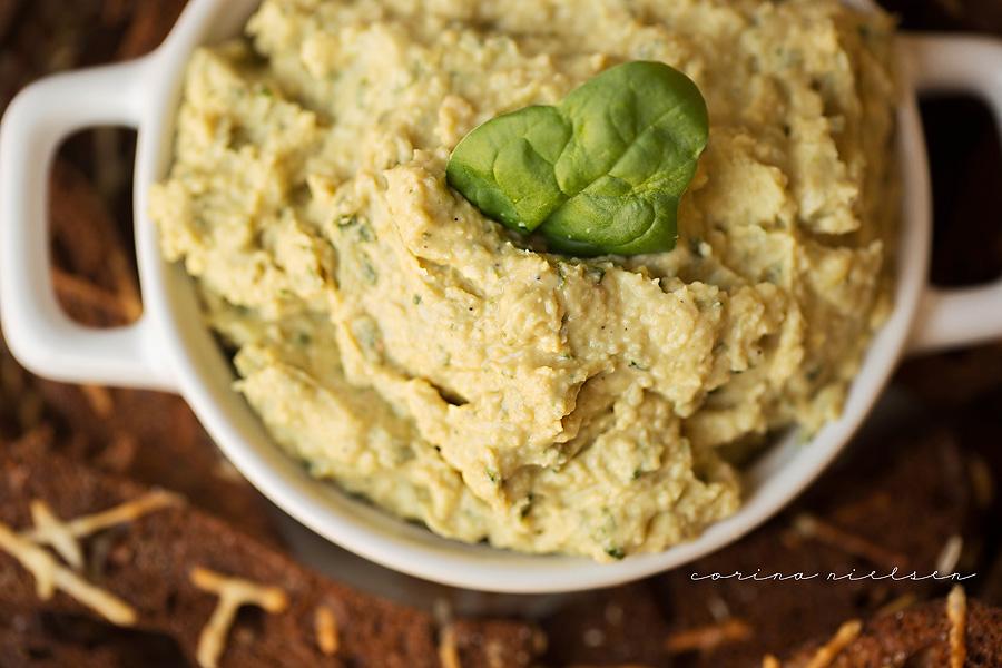 Corina Nielsen- Lemon Basil Hummus & Protein Bagel Chips-7