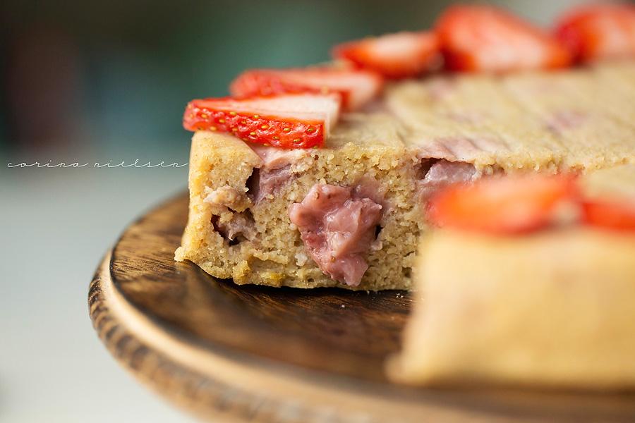 Corina Nielsen- Strawberry Yogurt Cake-3