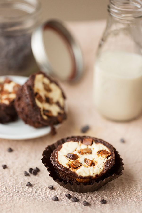 Chocolate Chip Cheesecake Brownies: Corina Nielsen- Live Fit