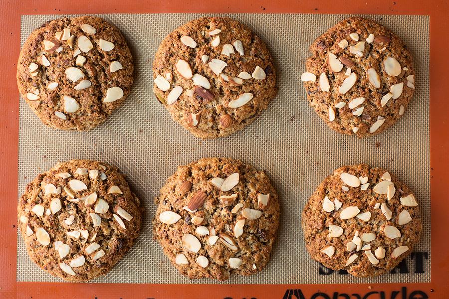 chocolate chunk almond scones