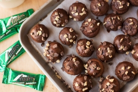 Mint Chocolate Protein Cake Pops