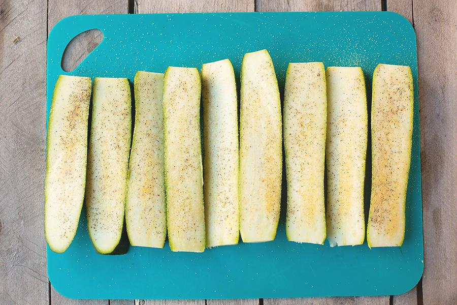 Keto Garlic Zucchini Hummus